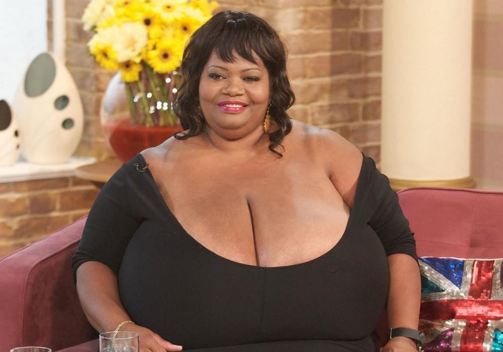 Самые большие груди людей фото фото 783-204